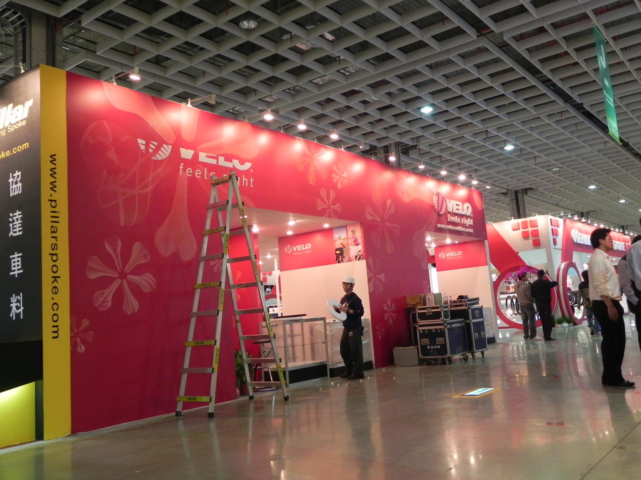 "Taipei Cycle 2011 – First Photos and Impressions on ""Setup"" Day"
