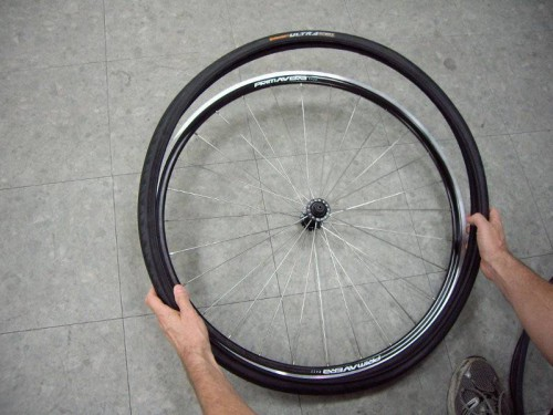 fit a tight tire to a clincher rim without tire levers